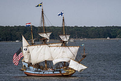Photograph - Kalmar Nyckel In Yorktown by Jerry Gammon