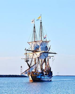 Photograph - Kalmar Nyckel Tall Ship by Kim Bemis