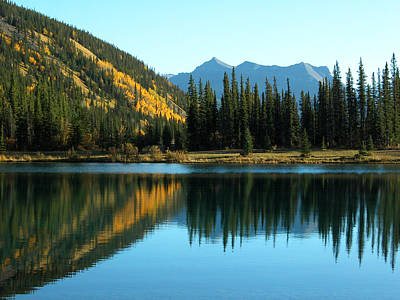 Photograph - Kananaskis - Autumn Reflections 1 by Stuart Turnbull