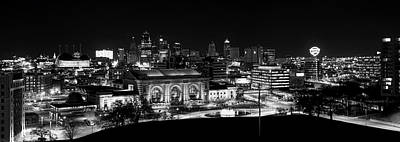 Kansas City In Black And White Art Print