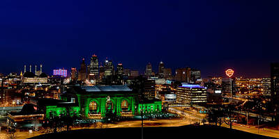 Photograph - Kansas City Skyline by Sennie Pierson