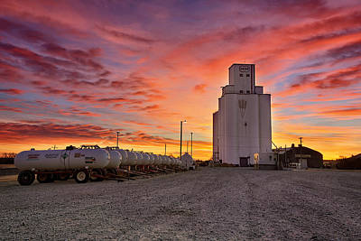 Grain Elevator Photograph - Kansas Skyfire by Thomas Zimmerman