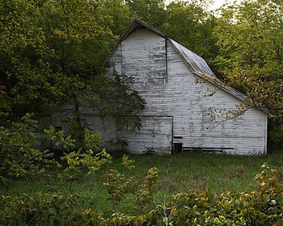 Barnstormer Photograph - Kansas White Barn by Guy Shultz