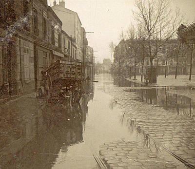 Kar In Flooded Street During Flood Paris Art Print by Artokoloro