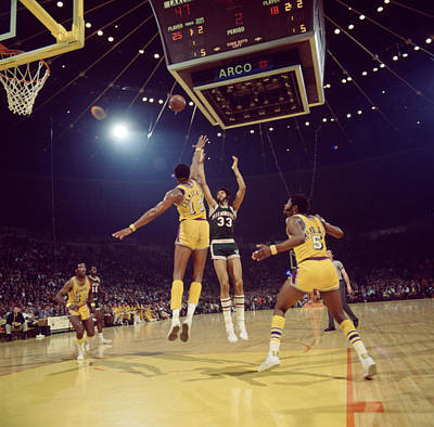 Ucla Photograph - Kareem Abdul Jabbar Shoots Under Pressure by Retro Images Archive