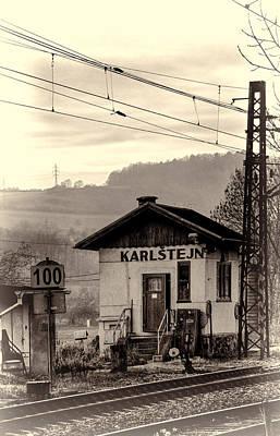 Cabin Window Photograph - Karlstejn Railroad Shack by Joan Carroll