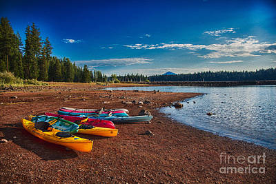Painting - Kayaking On Howard Prairie Lake In Oregon by Omaste Witkowski