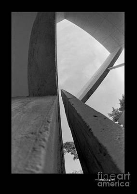 Photograph - Kcmobldg1 by Jonathan Fine