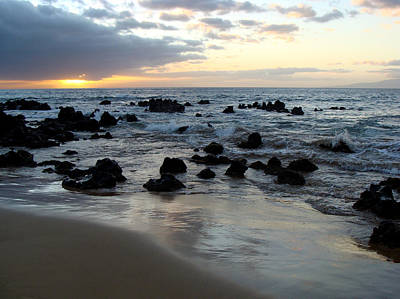 Photograph - Keawakapu Kahaulani Maui Sunset by Karon Melillo DeVega