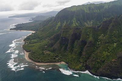 Mountains Photograph - Kee Beach Along The Na Pali Coast - Kauai Hawaii by Brian Harig