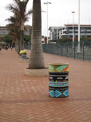 Photograph - Keep It Up Ethekwini by Frank Chipasula
