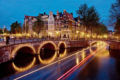 Photograph - Keizersgracht Canal At Night / Amsterdam by Barry O Carroll