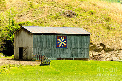 Photograph - Kentucky Barn Quilt - Americana Star by Mary Carol Story