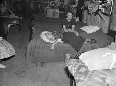 Mayfield Photograph - Kentucky Refugees, 1937 by Granger