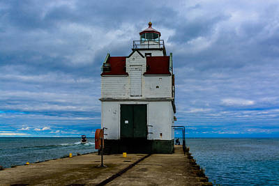 Photograph - Kewaunee Pierhead Light by Randy Scherkenbach