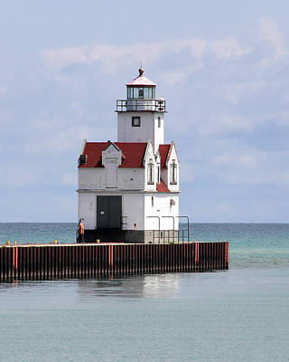 Photograph - Kewaunee Pierhead Lighthouse by George Jones
