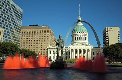 Photograph - Kiener Plaza And The Old Courthouse by Scott Rackers