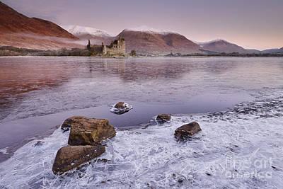 Awe Wall Art - Photograph - Kilchurn Castle by Rod McLean
