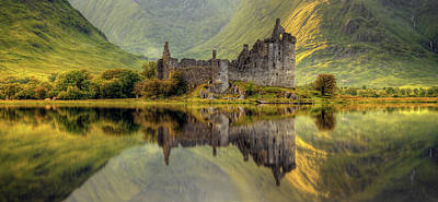 Reflection Photograph - Kilchurn by Wojciech Kruczynski