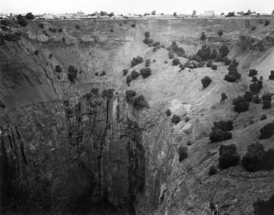 Kimberley crater Of Fortune Art Print by Underwood Archives