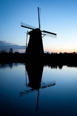 Photograph - Kinderdijk Dawn by Dave Bowman
