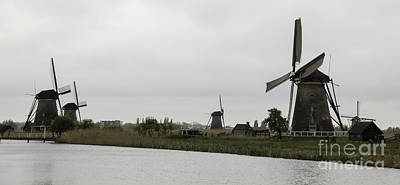 Kinderdijk Windmills 04 Art Print