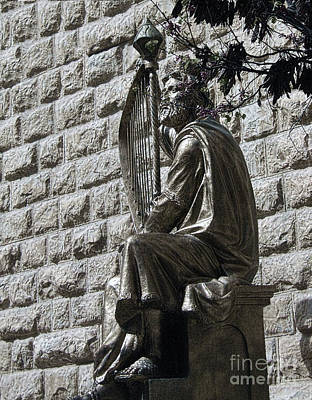 Photograph - King David Statue by Tom Griffithe