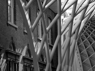 Photograph - King's Cross Concourse by Bob Williams