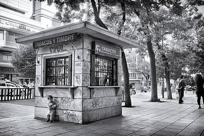 Photograph - Kiosk And Kid by Pablo Lopez