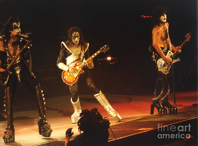Paul Stanley Photograph - Kiss-b33a-1 by Gary Gingrich Galleries