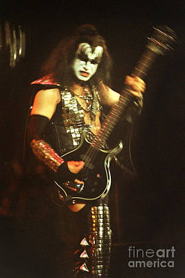 Paul Stanley Photograph - Kiss-gene-0551 by Gary Gingrich Galleries
