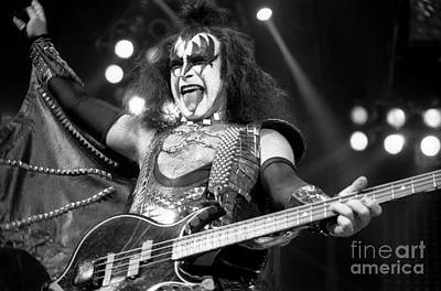 Paul Stanley Photograph - Kiss-gene-gp10 by Timothy Bischoff