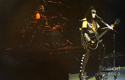 Paul Stanley Photograph - Kiss-gene-peter-0573 by Gary Gingrich Galleries