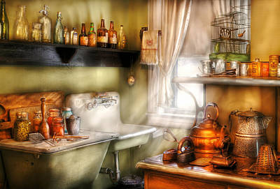 Kitchen - Momma's Kitchen  Art Print by Mike Savad