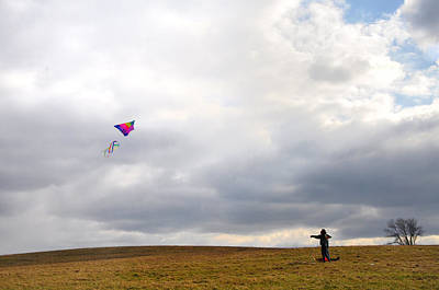 Kite Wall Art - Photograph - Kite Flying by Bill Cannon