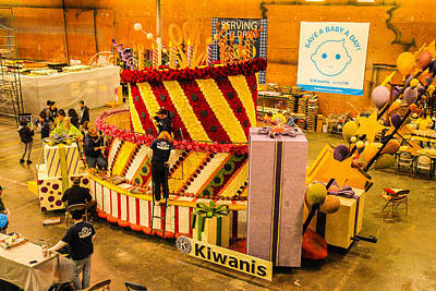 Photograph - Kiwanis Float by Robert Hebert