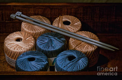 Photograph - Knitting Yarn In A Wooden Box by Les Palenik