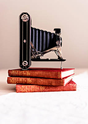 Bellows Photograph - Kodak Art Deco 620 Camera by Jon Woodhams