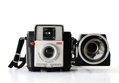 Photograph - Kodak Brownie Starlet Whit Flash Unit by RicardMN Photography