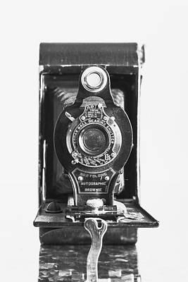 Tri Wall Art - Photograph - Kodak No. 2 Folding Autographic Brownie Camera by Jon Woodhams
