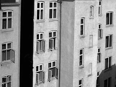 Photograph - Kopenhavn De 29 by Jeff Brunton