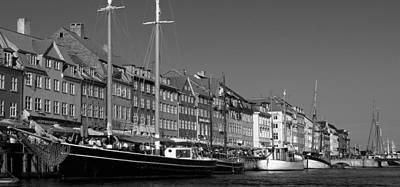 Photograph - Kopenhavn De Ny Havn 06 Bw Pan by Jeff Brunton