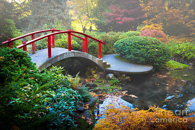 Fall Foliage Photograph - Kubota Gardens Fog by Inge Johnsson