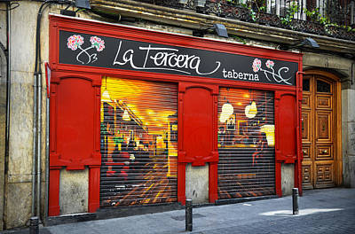 Photograph - La Tercera Tavern In Madrid by RicardMN Photography