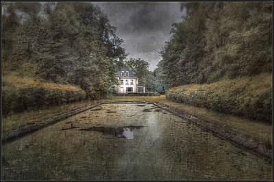 La Villa Abandonnee Art Print