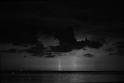 Photograph - Labor Day Weekend Lightning 7 by Richard Zentner