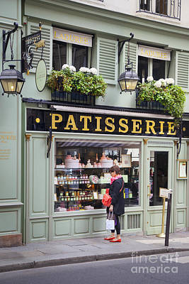 Paris Macaron Shop Photograph - Laduree Treats by Brian Jannsen