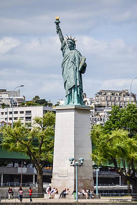 Photograph - Lady Liberty In Paris - Full View by Allen Sheffield