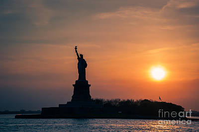Photograph - Lady Liberty by Ray Warren