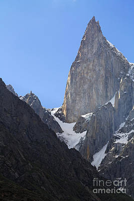 Lady's Finger Peak  Art Print by Robert Preston